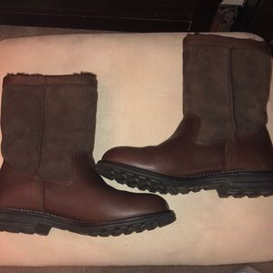 Brand new Ugg leather and suede brown boots